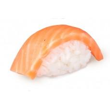 Суши с лососем.